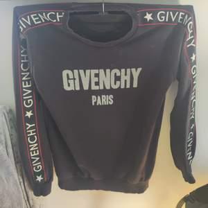 Givenchy tröja