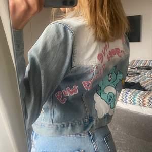 Jeans jacka från hollister men målat hemifrån!