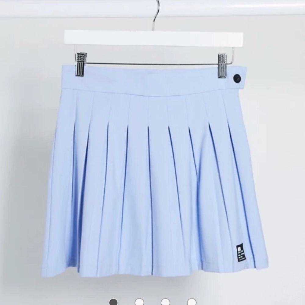 Intressekoll ! På min ljusblå tenniskjol ifrån bershka!💙💙💙💙. Kjolar.