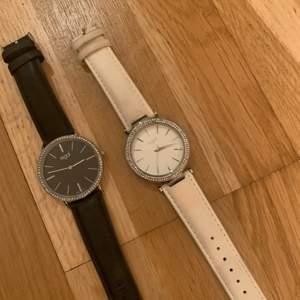 Fina regal klockor används inte mer ,köpta på ur & pen💞 50 kr styck