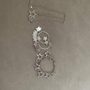 Ett sett med örhängen, halsband och armband med gulliga stjärnor på, knappt använt, frakt tillkommer