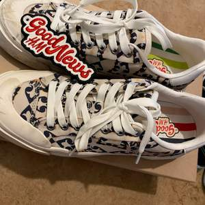 Sneakers använda Max 3 gånger. Storlek 37. Sköna som bara den! Säljer pga för många sneakers.