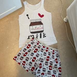 Nutella Pyjamas set, short och linne jätte söta och sköna att sova med