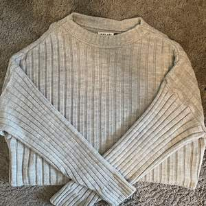 Säljer denna tröjan ifrån madlady då den aldrig kommit till användning. Tröjan är i jättebra skick då den aldrig använts. 120 + frakt!💞