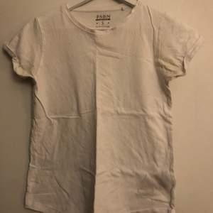Bas T-shirt. Inga defekter