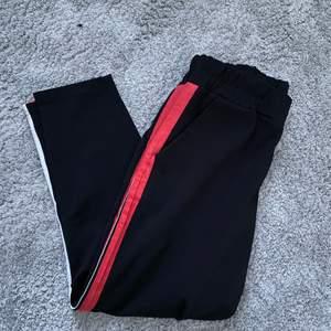 Säljer min kostymbyxor ish. sparsamt använda. 40kr + frakt