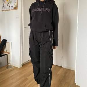 Svarta träning byxor säljer de pga för stora på mig. Aldrig använd endast testat