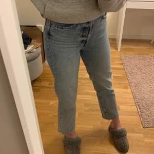 Super söta jeans från & order stories!!!dem är i storlek 36 men lite tighta för mig som brukar ha S💞💞köpte för 690kr