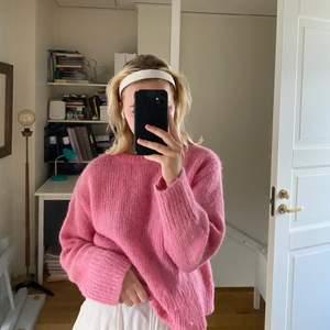 Jättefin rosa stickad tröja från HM💕 startade en budgivning då det var många intresserade