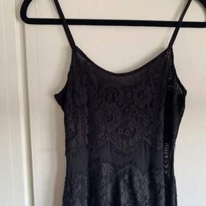 Finaste klänningen som är för liten för mig🥺🥺