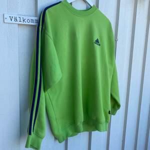 Säljer min älskade adidas sweatshirt 🧡 köpt här på Plick