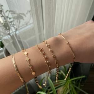 Säljer dessa fina armbanden för 40 kr st, då jag råkat köpa dubbletter! De är helt oanvända och endast testade, frakt tillkommer på 12kr! 💓