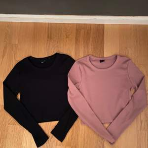 Säljer dessa 2 likadana tröjor från Gina, båda är i storlek S men passar än som brukar ha XS också. Har aldrig använt den rosa men använt den svarta ett annat gånger men båda är i nyskick. Köpte de för 200 kr styck. En kostar 100 kr men om man köper båda så kostar det 170 kr. Köparen står för frakt.