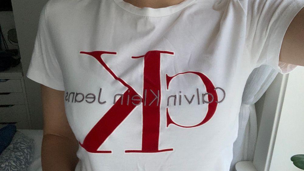 Nästan oanvänd as snygg T-shirt . T-shirts.