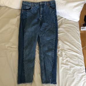 Blå jeans, använda fåtal gånger. Högmidja