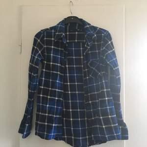 Flanellskjorta från lager 157. Har swish!