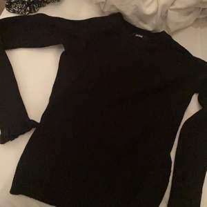 Stretchig tröja från bikbok stickad, använd endast ett fåtal ggr