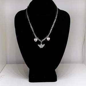 Gulligt halsband med ängel på🥰