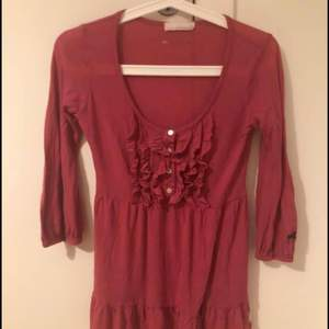 Odd Molly tröja i mörkrosa lite åt det röda hållet