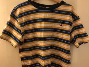 Gulblåvit randig t shirt från h&m i storlek medium