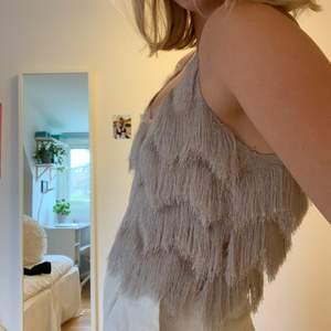 Zara linne i en grå/beige nyans💕 så otroligt fint!!