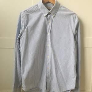 Velour by nostalgi stripe blue skjorta, väldigt nytt skick
