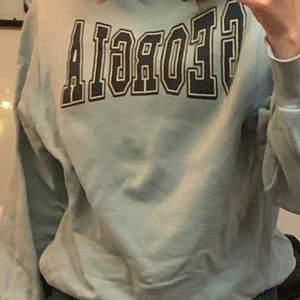 Blå oversize sweatshirt från zara, lägg bud!