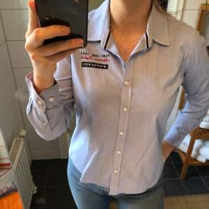 Jättefin skjorta från Park Lane. Använd några fåtal gånger. Säljes då den aldrig kommer till användning längre.