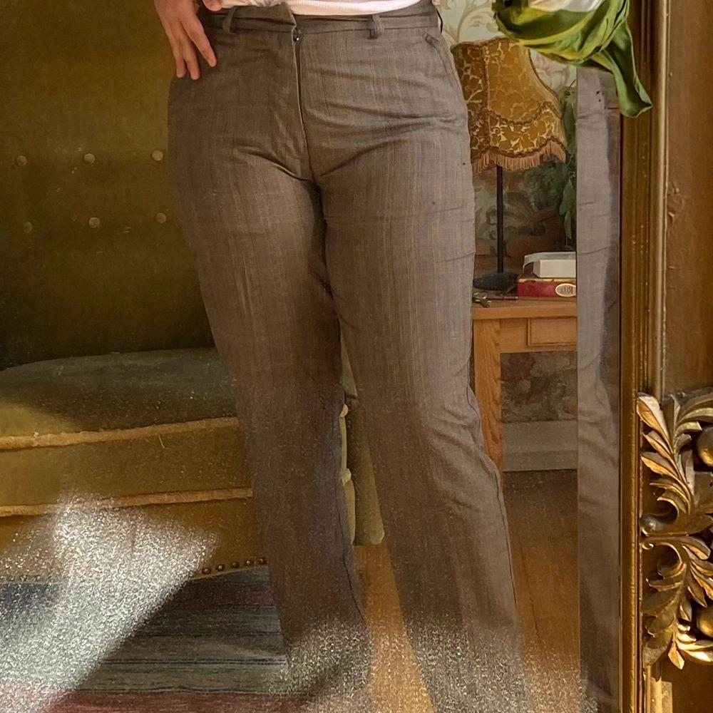 Bruna gubbbyxor från 80/90 talet, superfina men används tyvärr inte. Möts upp i Stockholm eller fraktar! . Jeans & Byxor.