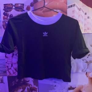 Adidas T-shirt, slutsåld. Högsta bud vinner, inga fläckar eller hål mm.