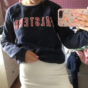 Falsterbo sweatshirt från Gina tricot säljer då jag inte får så mycket användning av den längre bra skcik