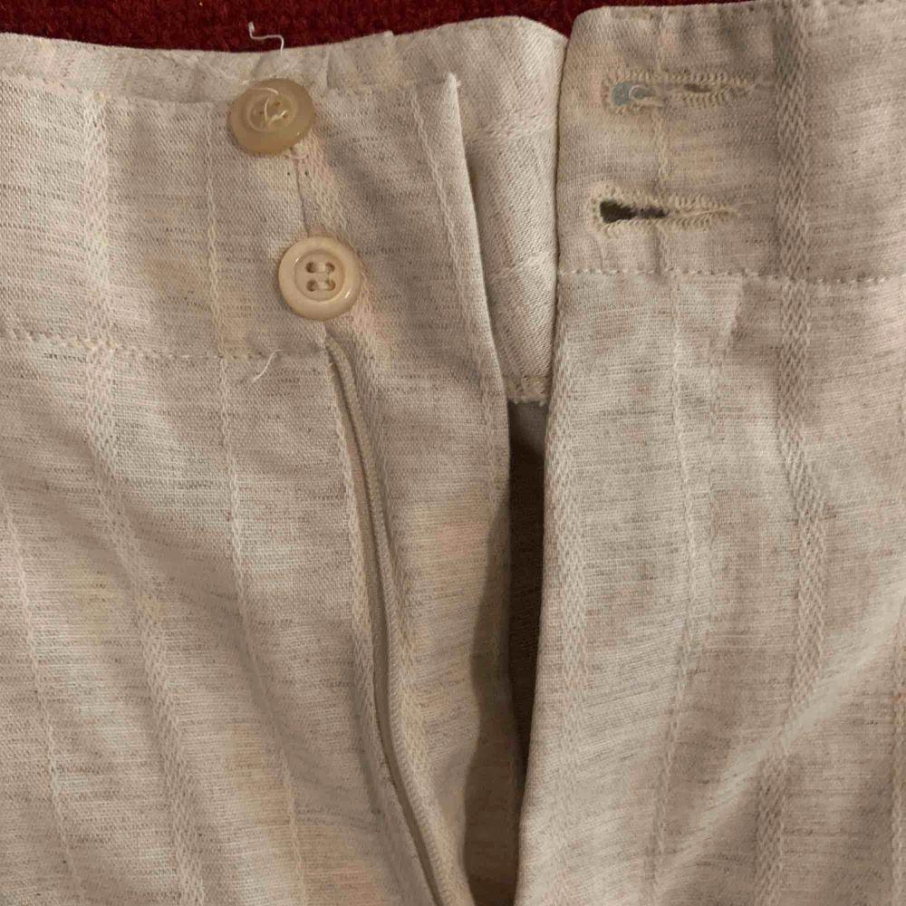Beiga sköna byxor. Jeans & Byxor.