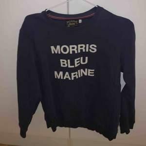 Morris tröja köpt för ett år sedan sällan använt den är i top skick och säljer den nu för ett billigt pris.