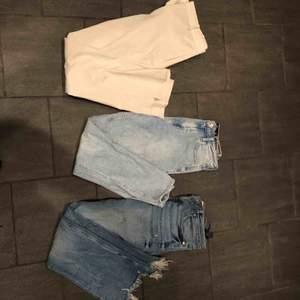 Två par jeans och ett par kostymbyxor 200kr/st, eller alla för 500kr