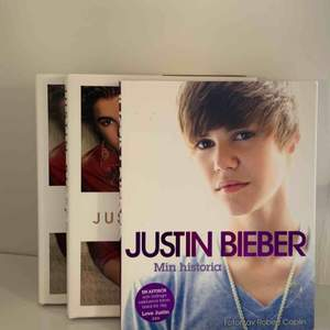 """Tre stycken Justin Bieber böcker, en för 50kr, alla för 120kr! """"Justin Bieber: Just Getting Started"""" """"Justin Bieber: Bara början""""  Dessa två är samma böcker, från 2012, men ena på engelska och andra på svenska. """"Justin Bieber: Min historia"""" från 2010."""