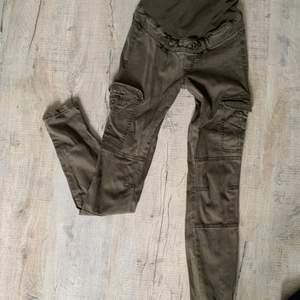 Mamma jeans oanvända str 34
