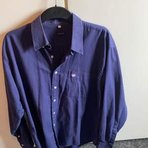 Säljer gant ljusblå skjorta storlek cl köpt för 1300