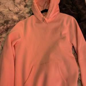 Rosa hoodie från H&M. Stl Xs