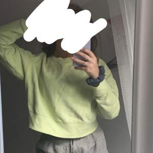 Snygg neon grön sweatshirt, frakt tillkommer