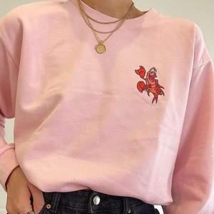 Snygg Disney sweater från skinnydip london. Använd endast ett fåtal gånger. (Frakt kostar 63kr och är spårbart)