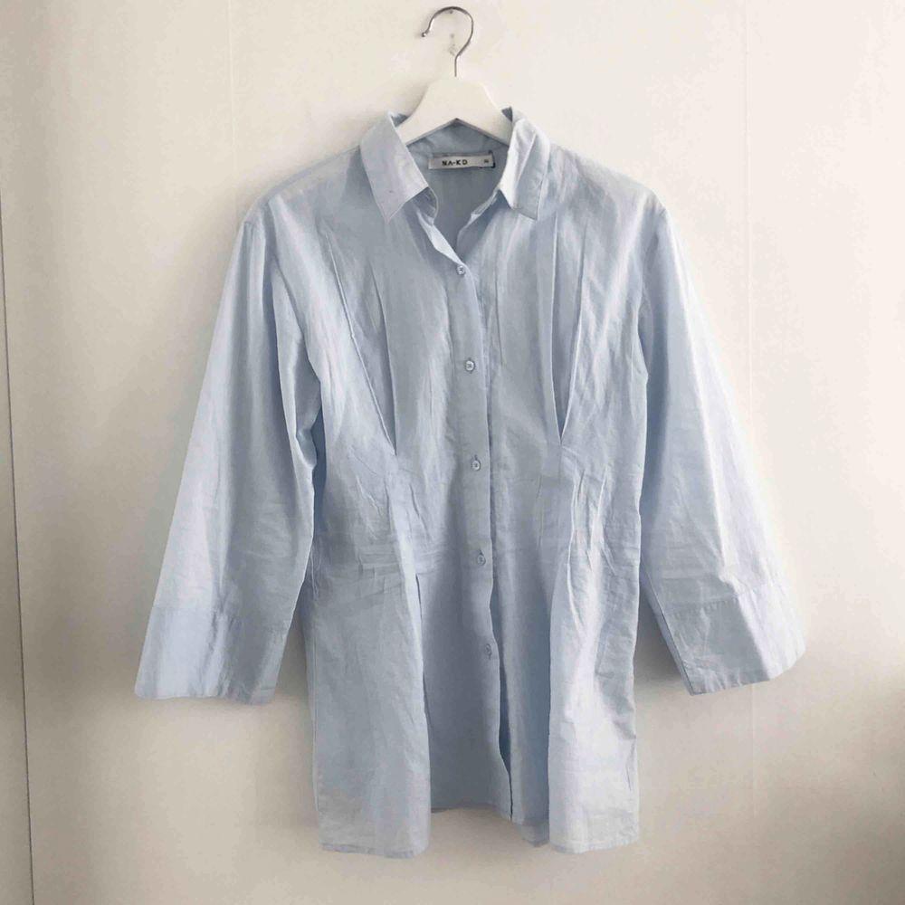 Skjorta från NA-KD. . Skjortor.