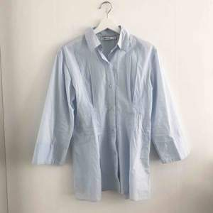 Skjorta från NA-KD.