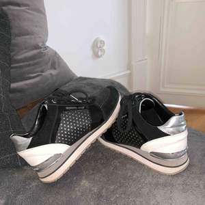 Sparsamt använda! Michael kors skor
