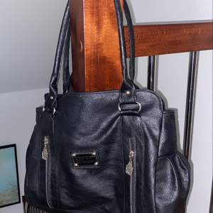 Skitnsygg Marc Jacobs väska som jag använt men sen är i skirbra kvalité och skick, så det syns knappt!😍👍🏼