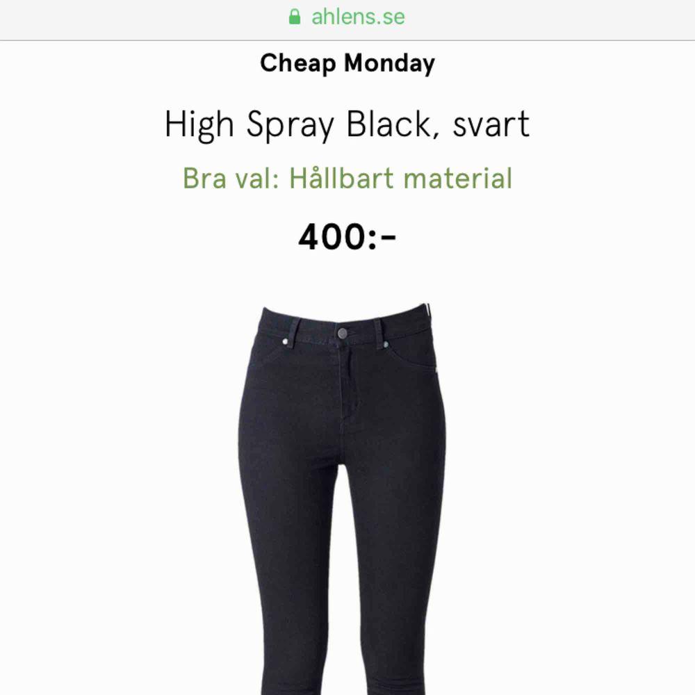 Cheap Monday high spray black aldrig använda i stl 28/29. Jeans & Byxor.