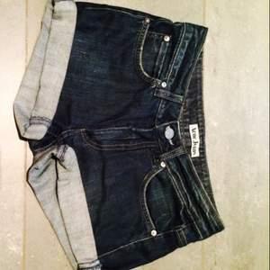 Fina Acne-shorts i bra skick! Endast 70 kr