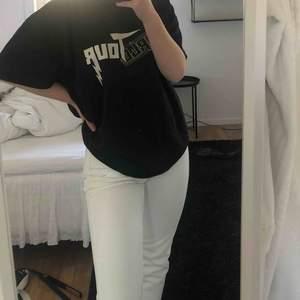 Vita jeans från chiquelle! Knappt använda så i fint skick