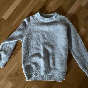 Grå stickad tröja från Zara, storlek Xs