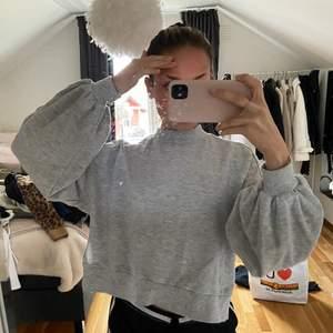 Basic grå sweatshirt