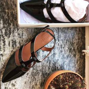 Oanvända ballerinas från Bianco Oslo, säljas i  asken dem kom i. Nypris: 700,-